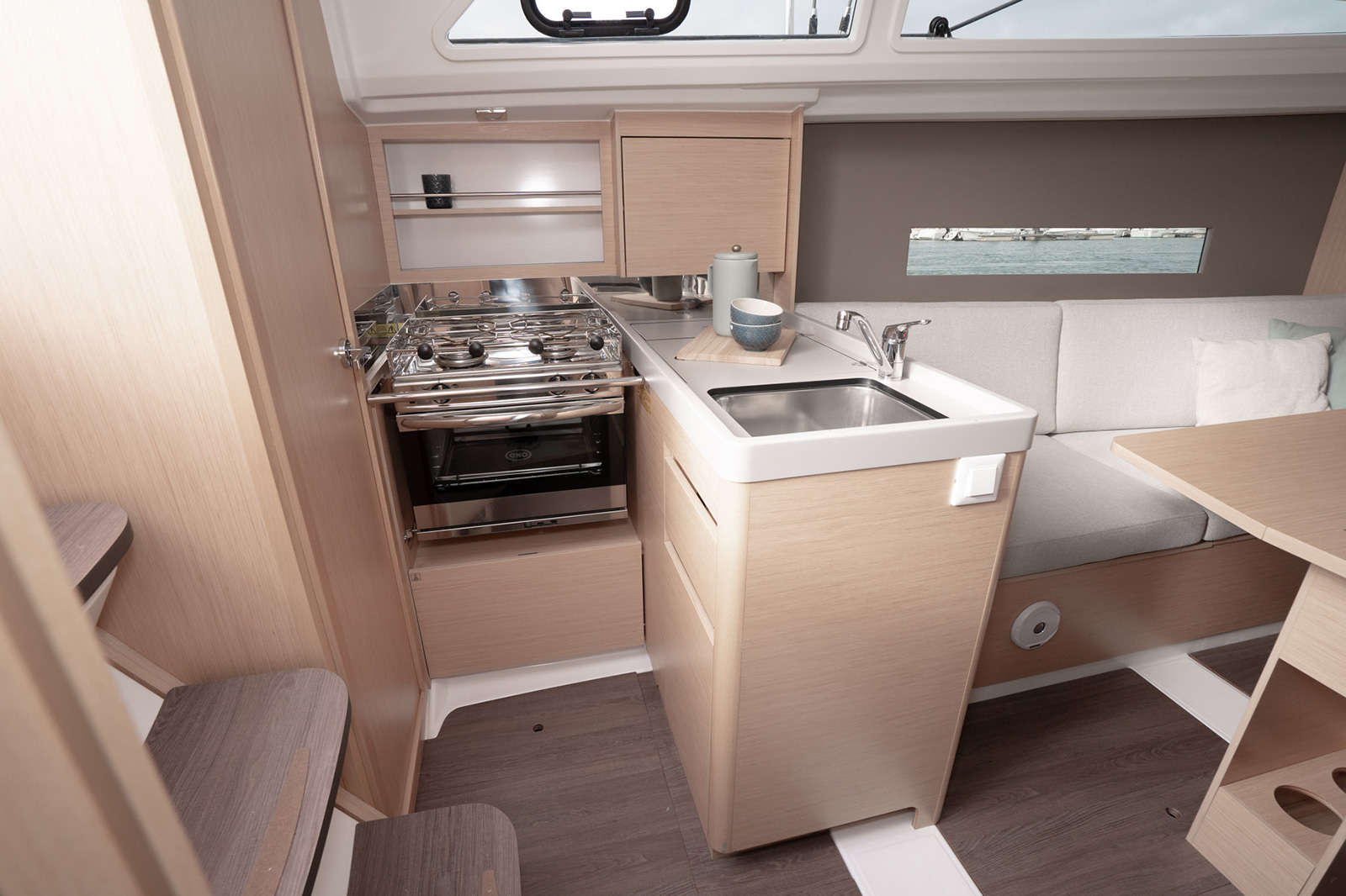Oceanis30.1 Galley